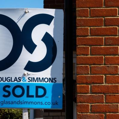 Estate agents have pulled in nearly £1bn in sales commission since the start of the year
